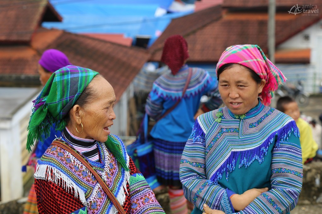 femmes hmong march bac ha vietnam